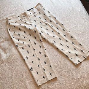 NWT [apt 9] Black & White Capri Size 14
